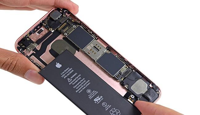 Trước khi thay thế pin, bạn hãy thử thực hiện những mẹo sau đây để khắc phục 3 lỗi thường gặp của pin iPhone.