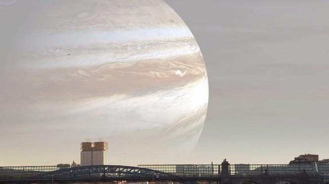Siêu trăng sẽ không còn là hiện tượng quá hiếm gặp nếu Mặt trăng chỉ cách Trái Đất một khoảng bằng với vệ tinh Quốc tế ISS. Nguồn: Mirror