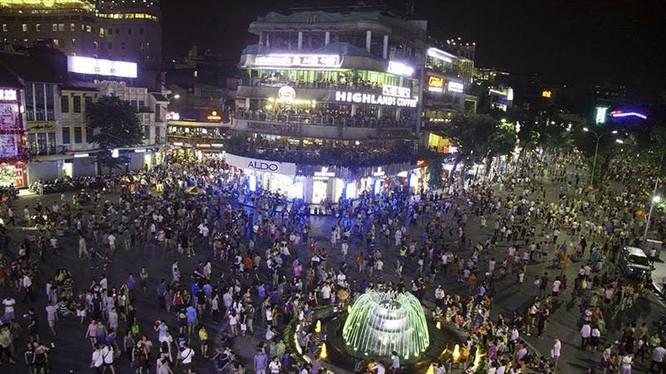 Phố đi bộ tại Hà Nội được thí điểm từ ngày 1/9.