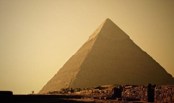 Hai căn phòng bí ẩn tại kim tự tháp Giza.