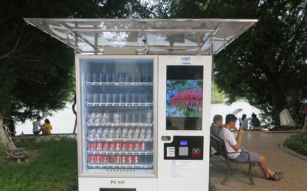 Máy bán hàng tự động tại khu vực Hồ Gươm