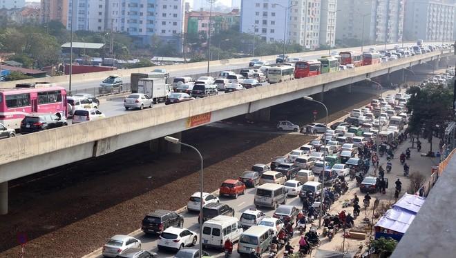 Ùn tắc nút giao thông Pháp Vân - Cầu Giẽ
