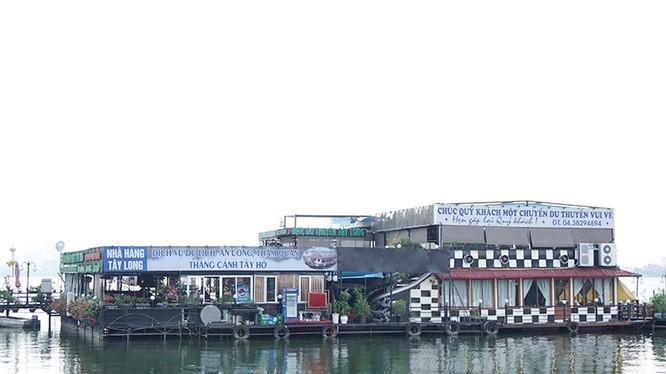 Các du thuyền Hồ Tây sẽ phải di dời trước ngày 20/2.