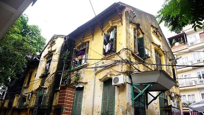 Ngôi nhà số 8 Tăng Bạt Hổ được xây từ năm 1920 (Ảnh: VnExpress).