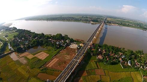 Đến thời điểm hiện tại, Hà Nội chưa quyết định lựa chọn đơn vị tư vấn nước ngoài nào tham gia thực hiện lập đồ án quy hoạch dọc 2 bên bờ sông Hồng.