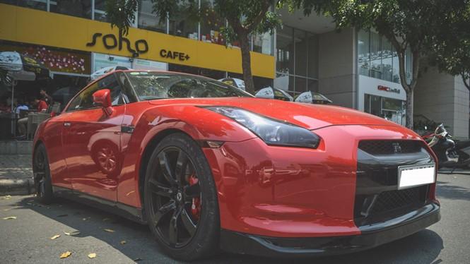 Nissan GT-R sở hữu động cơ lên đến 600 mã lực.