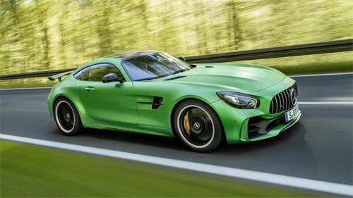 Phiên bản hiệu suất cao với tính năng như xe đua.