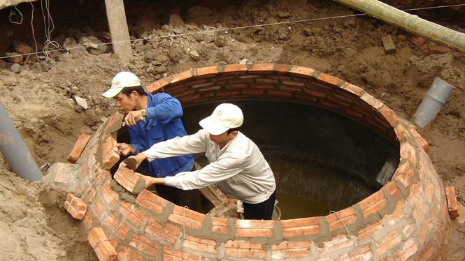 Xử lý chất thải bằng công nghệ biogas.