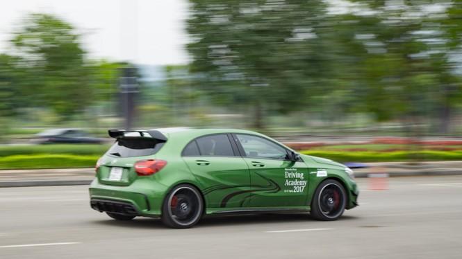 Trải nghiệm với Mercedes-Benz