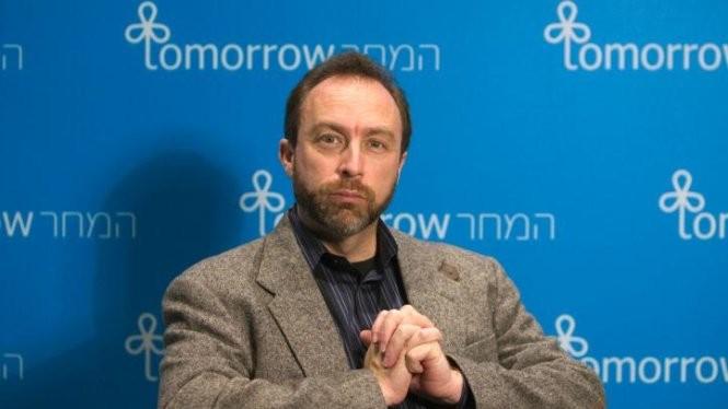 Ông Jimmy Wales, nhà sáng lập Bách khoa toàn thư trực tuyến Wikipedia - Ảnh: Reuters