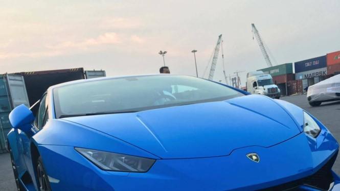 Lamborghini Huracan màu xanh Lemans về Việt Nam