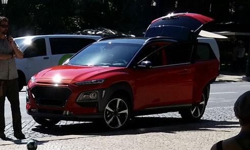 Ảnh thực tế Hyundai Kona, SUV mới phân khúc B. Ảnh: Autoevolution.