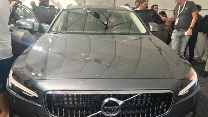 Chiếc Volvo V90 là một trong những mẫu xe hơi đầu tiên được tích hợp Android trực tiếp - Ảnh: Steve Kovach/Business Insider
