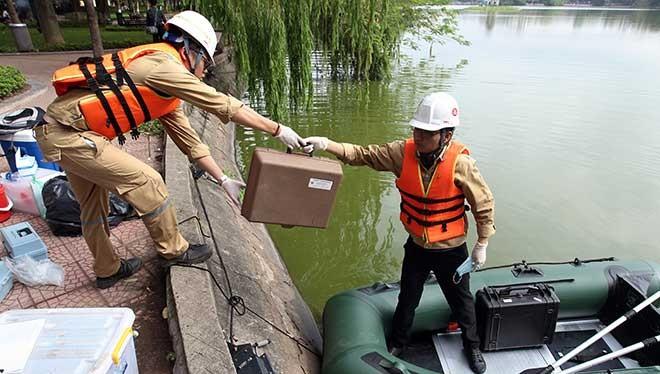 Việc nạo vét hồ Hoàn Kiếm sẽ được tiến hành trong vòng 4 tháng.