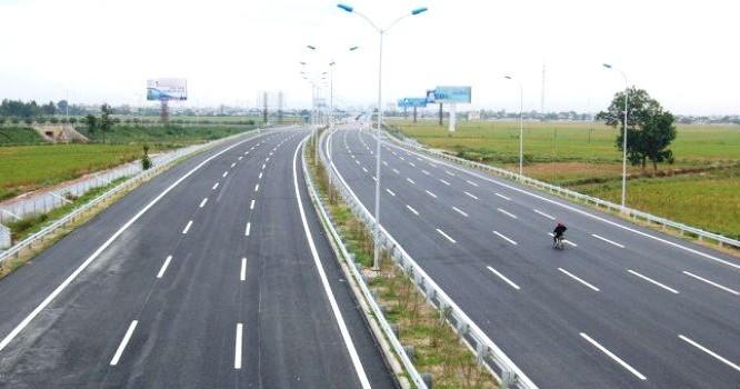 Các phương tiện lưu thông qua tuyến Đà Nẵng - Quảng Ngãi sẽ phải thanh toán giá dịch vụ.