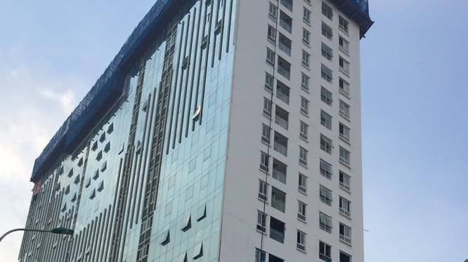 Để đảm bảo an toàn Hà Nội xin ý kiến Bộ Xây dựng về phương án xử lý giật cấp nhà số 8B Lê Trực (Ảnh: Q.V)
