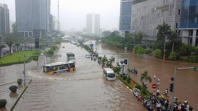 Hà Nội thường xuyên ngập lụt khi mưa lớn. (Ảnh minh họa, ngồn Báo Giao Thông)