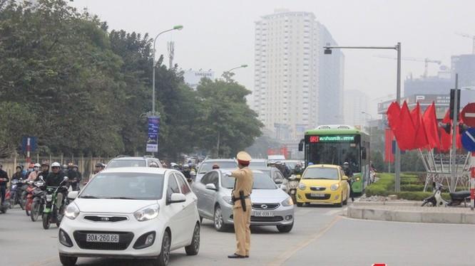 Cuộc thi Ý tưởng chống ùn tắc giao thông Hà Nội đã không tìm ra giải Nhất - Ảnh: Q.V