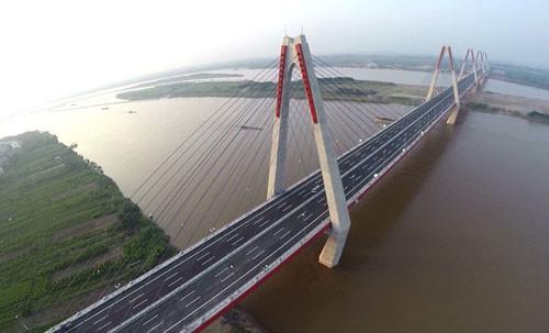 Theo quy hoạch, từ nay đến 2030 TP Hà Nội sẽ xây dựng 18 cầu vượt sông Hồng, Đuống, Đáy, Đà - Ảnh: VnExpress.