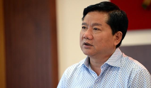 """Bị cáo Đinh La Thăng bị truy tố về tội """"Cố ý làm trái quy định của Nhà nước về quản lý kinh tế gây hậu quả nghiêm trọng"""" - Ảnh: Tuổi trẻ"""