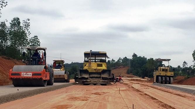 Dự án cao tốc Bắc Giang - Lạng Sơn bị dừng lại 2 năm do năng lực tài chính Nhà đầu tư cũ yếu kém.