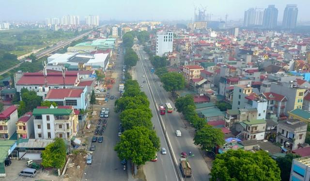 Tuyến đường có điểm đầu giao với đường Phạm Văn Đồng.