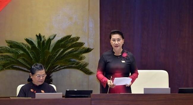 Chủ tịch Quốc hội Nguyễn Thị Kim Ngân đề nghị xem xét lại về quy định xử phạt người dân đi đổi 100 USD. Ảnh: Zing.vn