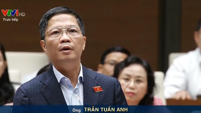 Bộ trưởng Bộ Công thương Trần Tuấn Anh trả lời ĐBQH về vấn đề tại dự án nhà máy Gang thép Thái Nguyên.
