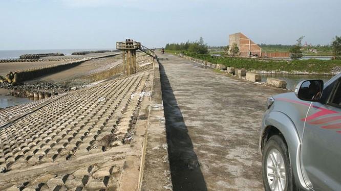 Dự án Đầu tư xây dựng tuyến đường bộ ven biển tỉnh Thái Bình có tổng chiều dài 35,5 km, dự kiến hoàn thành vào năm 2021. Ảnh: Báo Đấu thầu