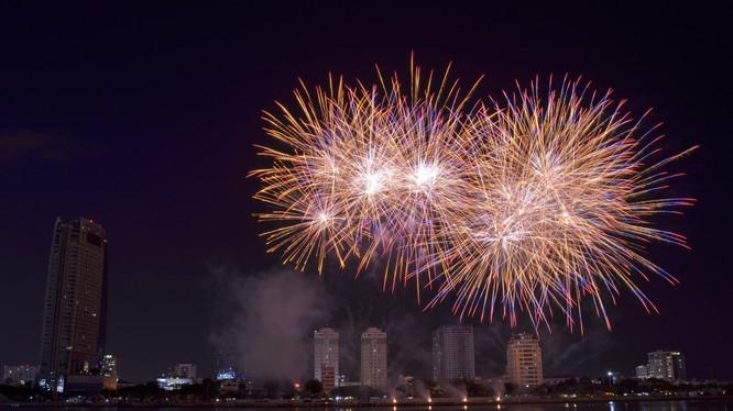 Đêm giao thừa Tết Kỷ Hợi 2019, Hà Nội sẽ bắn pháo hoa tại 30 điểm.