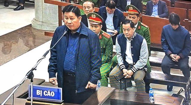 Cựu Thứ trưởng Bùi Văn Thành hầu tòa.