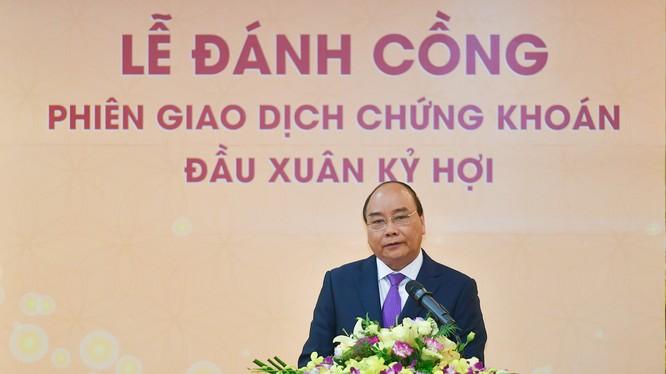 Thủ tướng Nguyễn Xuân Phúc phát biểu tại lễ khai trương hoạt động giao dịch chứng khoán đầu Xuân 2019. Ảnh: VGP/Quang Hiếu.