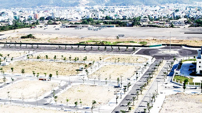 Sân bay Nha Trang cũ nhìn từ trên cao.