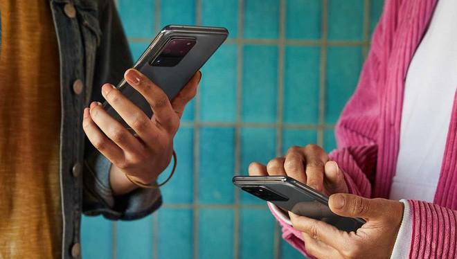 Tính năng Quick Share của Samsung khá giống với AirDrop của Apple (Ảnh: Samsung)