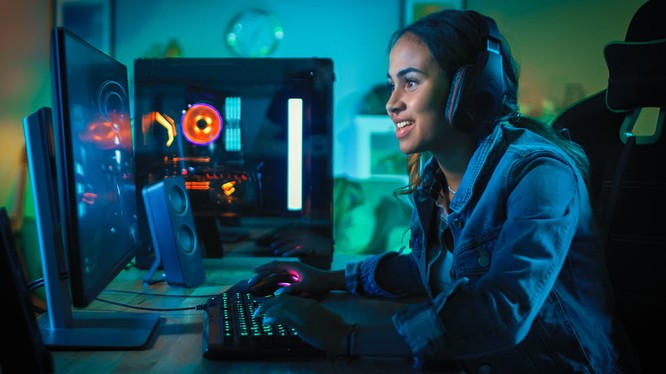 WHO khuyên mọi người ở nhà chơi game để phòng chống dịch COVID-19 (Ảnh: Tech Updates)