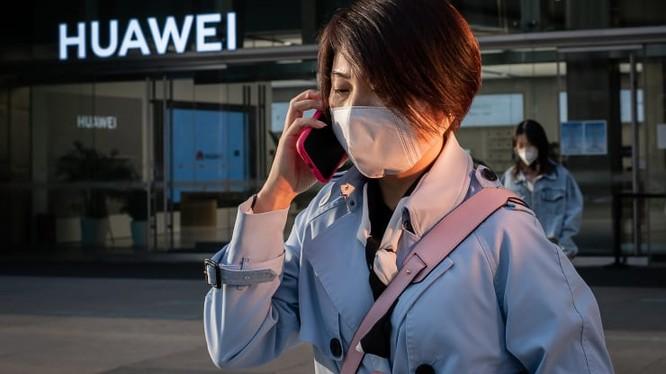 Huawei tặng khẩu trang cho Canada và Pháp (Ảnh: CNBC)