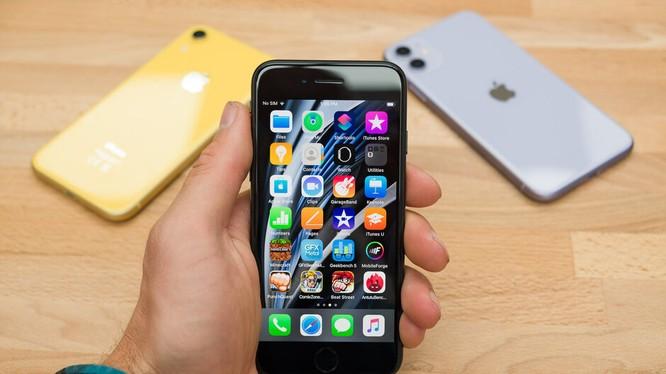 Apple có đang tự làm khó mình với iPhone SE 2020 (Ảnh: Phonearena)