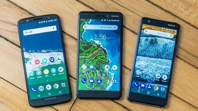 Những mẫu smartphone giá rẻ trên thị trường (Ảnh: Technobezz)