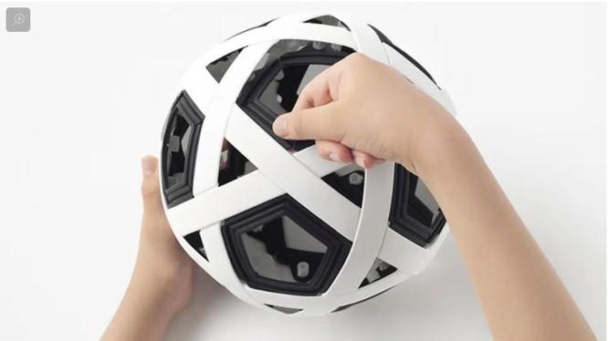 Quả bóng này không thể bị xịt trong quá trình sử dụng (Ảnh: Gizmodo)