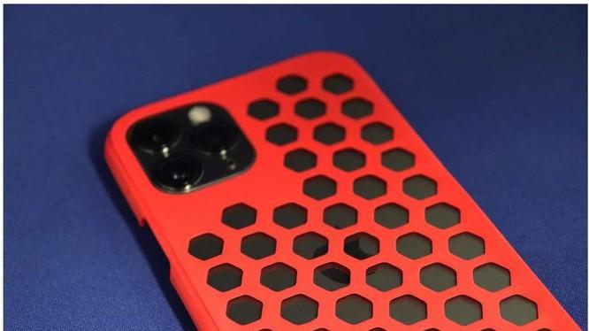 Vỏ điện thoại di động được làm bằng phương pháp in 3D, sử dụng nhựa tái chế (Ảnh: Academic Times)
