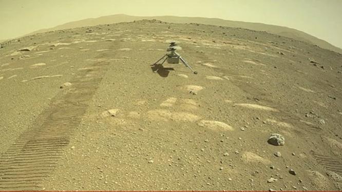 Trực thăng của NASA hạ cánh thành công trên bề mặt Sao Hỏa (Ảnh: Science Alert)