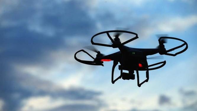 Sự việc drone tự ý tấn công con người (Ảnh: Gizmodo)