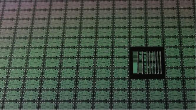Huawei sẽ tự sản xuất chip cho riêng mình vào năm sau (Ảnh: Phone Arena)