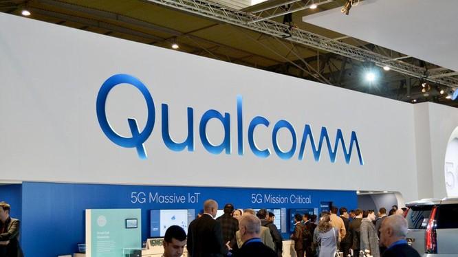 Qualcomm tự tin đánh bại chip M1 của Apple (Ảnh: Android Authority)