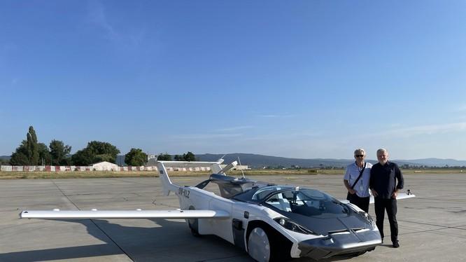 AirCar Prototype 1 (Ảnh: CNN)