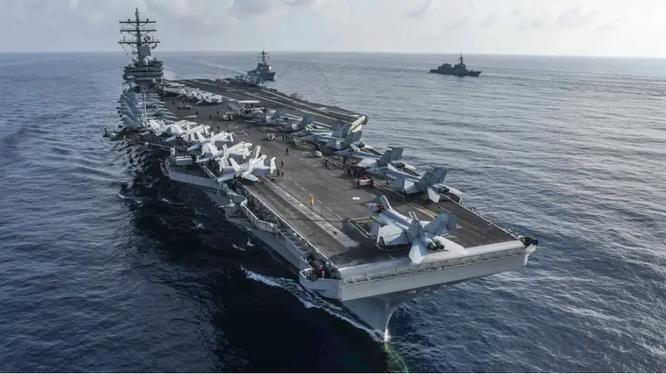 Tàu sân bay USS Ronald Reagan của Mỹ (Ảnh: Business Insider)