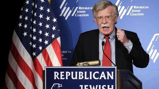 Ông John Bolton