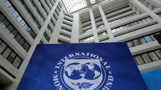 Logo IMF trong cuộc họp mùa xuân của IMF/WB ở Mỹ ngày 21/4/2017