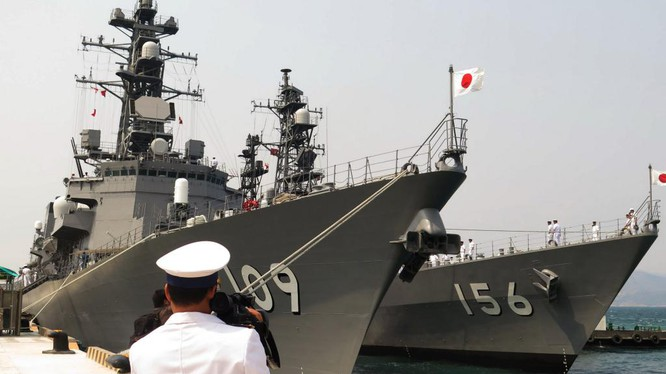 Chiến hạm hải quân Nhật Bản thăm cảng quốc tế Cam Ranh của Việt Nam