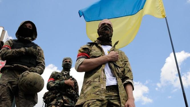 Các tổ chức dân tộc chủ nghĩa cực đoan mọc lên như nấm sau mưa tại Ukraine trong bối cảnh khủng hoảng